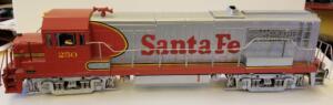 Aristo Craft U25B Santa Fe 250